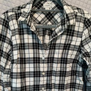 NWOT J Crew plaid button down- lightweight flannel